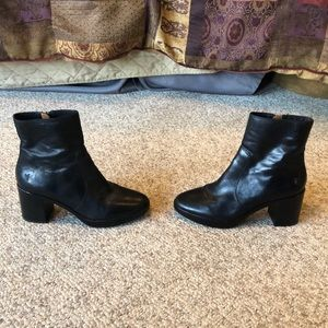 Frye black leather platform ankle chunky heel boot